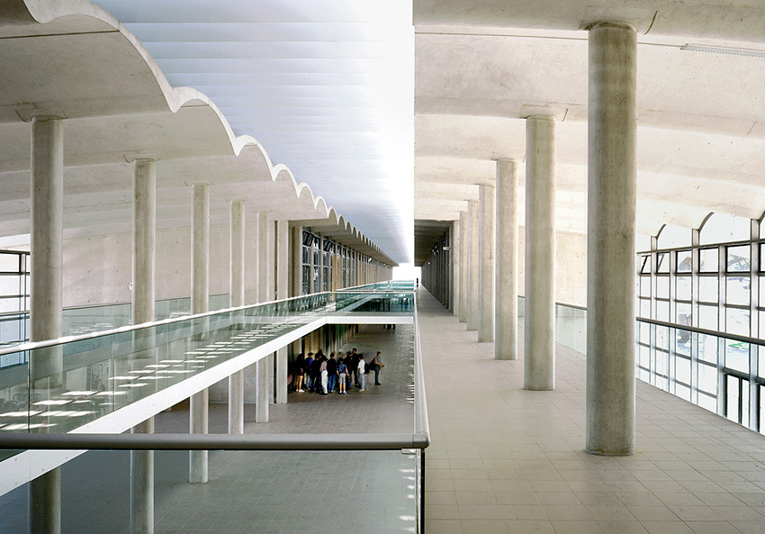 School, Frejus, France  - Foster & Partners